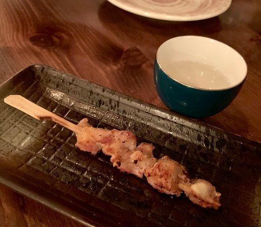 雞軟骨($32/串)