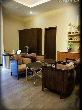 Hhonors Executive Lounge