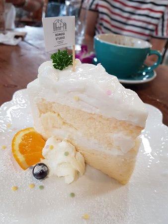 Excellent cafe restaurant & friendly service staff