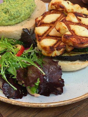 grilled halloumi burger  V  w grilled courgette, aubergine w spinach hummus