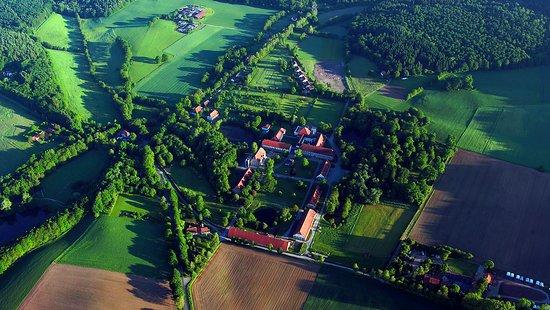 Warburg, Jerman: Die Landvolkshochschule ist Teil des ehem. Klosters Hardehausen im Kreis Höxter, südl. Eggegebirge.