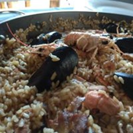Roquetes, สเปน: paella dels dijous