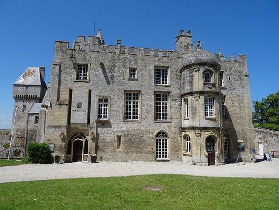 Lieu intéressant, guide nul Avis de voyageurs sur Chateau