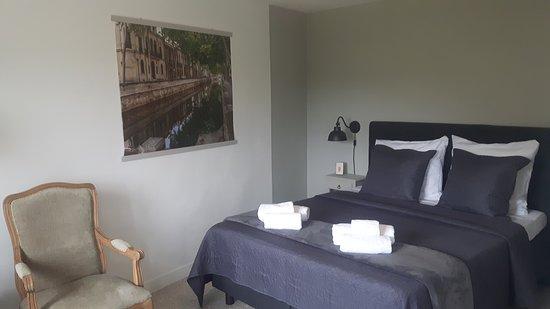 Chambres d'Hôtes de Gens Heureux - Chambre Nîmes