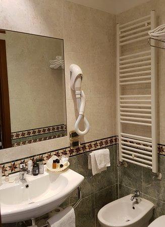 Bathroom 21 showing hairdryer