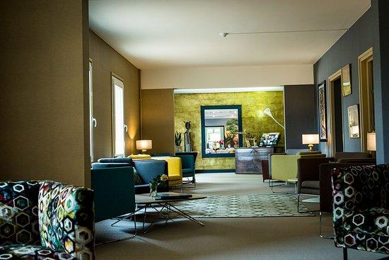 Salon de l'hôtel Restaurant La Huchette proche de Mâcon