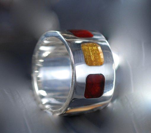 Ravhuset Hennebjerg: Tripple ring