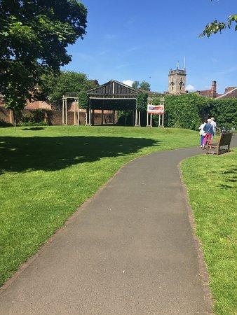 Queen Elizabeth II Jubilee Gardens