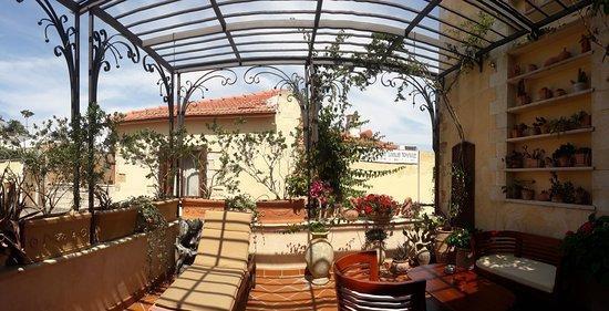 Ionas Boutique Hotel: Terrace