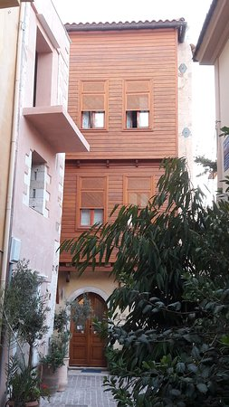 Ionas Boutique Hotel: Main entrance
