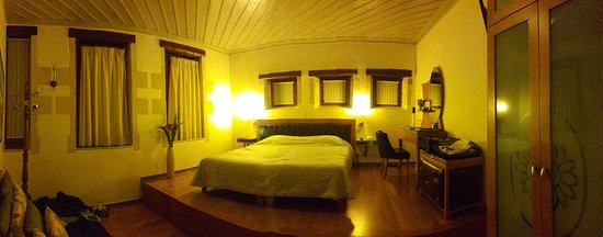 Ionas Boutique Hotel: Our bedroom