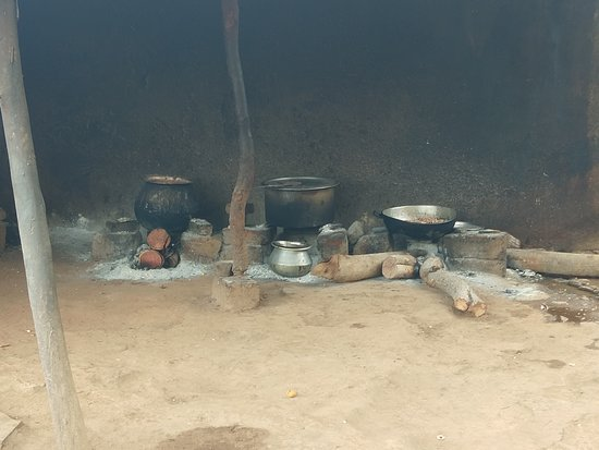 Akka Hotel: Firewood cooking