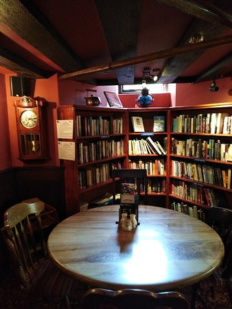 The Old Inn- Mullion: libary