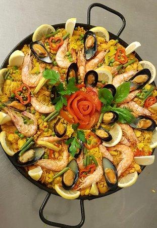 Hilden, Nemačka: Tenemos 4 clases de Paella: Mixta, Pollo, Vegetariana y Pescado.