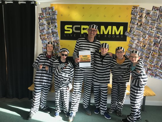 ‪Scramm Live Escape Rooms‬