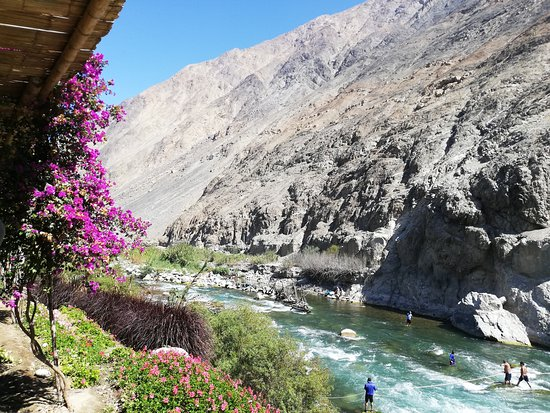 Lunahuaná Rafting Perú: Lunahuana Peru. A Cidade fica a 3 horas de lima, especializado em esportes de aventura, aqui se pratica, canoagem, canopi, Rappel, Cavalgada, bike, quadrimotos e muito mais