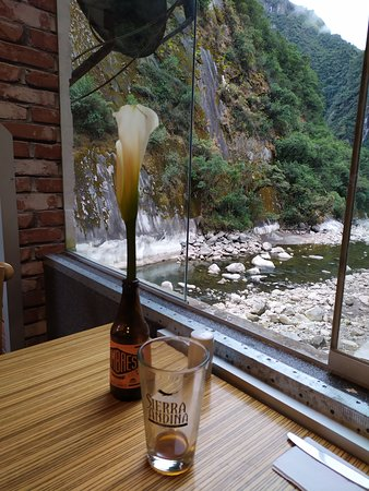 Mapacho Craft Beer Restaurant: View from the ground floor