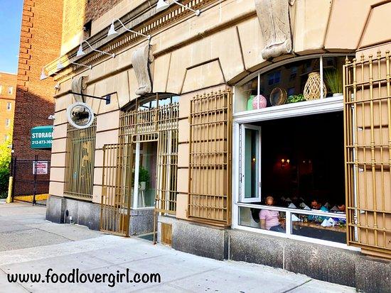 Halo Bistro Cafe: Exterior