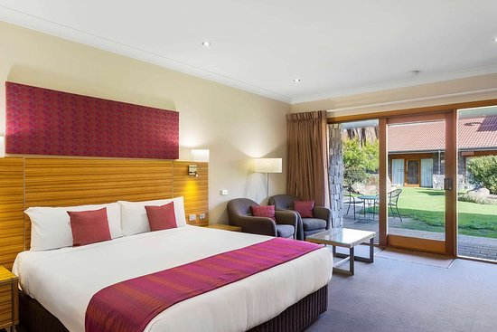 Julie-Anna Inn, Bendigo: Guest room with sitting area