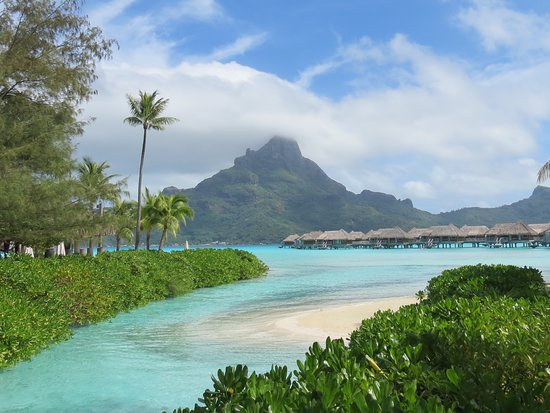 Bora Bora, Polinesia Francesa: Intercontinental Thalasso and Spa Service exceptionnel et les restaurants sont tous succulents