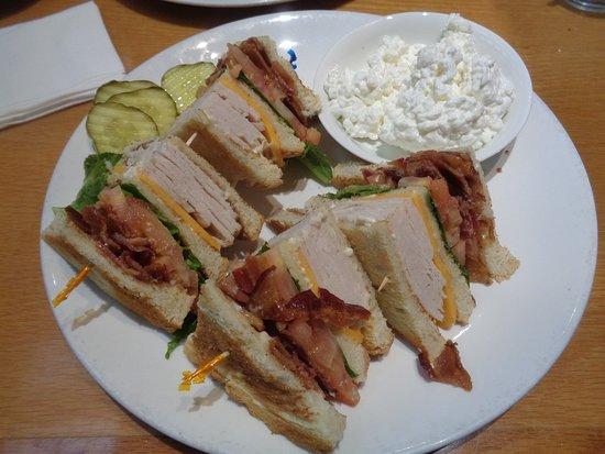 Magnolia's Veranda: Club Sandwich