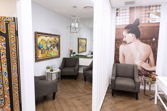 Double Bay: Comfortable & serene guest waiting room