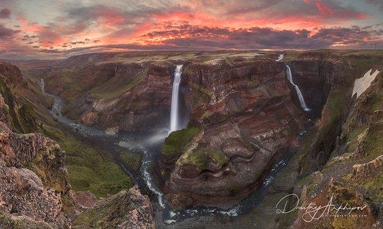 Island: Закат на водопадах. Прекрасная, неповторимая Исландия. Пожалуй, ни одна другая страна не сможет сравниться с Исландией по фотогеничности пейзажей.