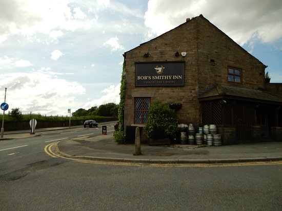 Bob's Smithy Inn Country Pub and Dining: View from the side ...