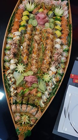 Sushi Boat 65 Pieces