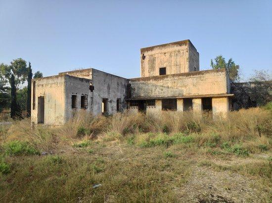 Be'er Tuvia, อิสราเอล: תחנת רוכבים בריטית , מוזיאון ויער עסריקם ליד באר טוביה