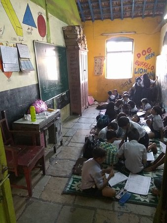 Dharavi slum school kids