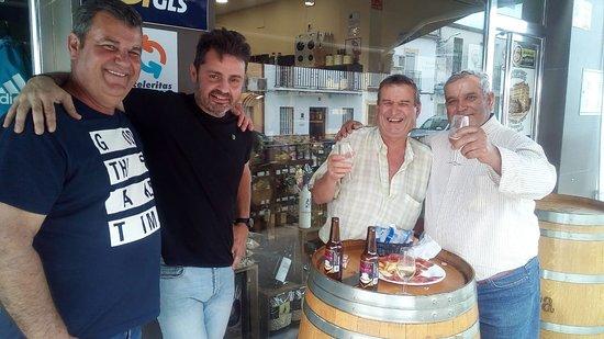Penaflor, Hiszpania: La Antigua Fábrica Jamones & Quesos