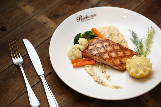 Richoux Cafe: Grilled Salmon