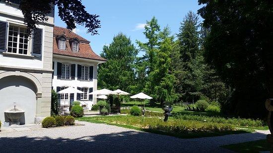 Konolfingen, Zwitserland: Von außen