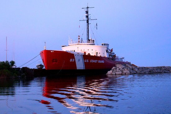 Icebreaker Mackinaw Maritime Museum Inc.