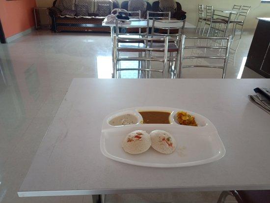 Dhamtari District, Indie: Breakfast