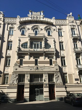Riga art nouveau free tour