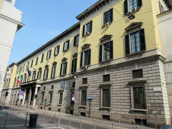 Il Palazzo della Prefettura