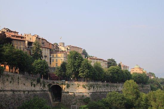 Province of Bergamo, Italie : Вид на старый город