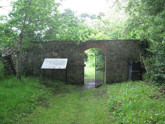 Craigavon, UK: Lynastown Quaker Burial Ground plaque and interior gate, taken from the entrance drive