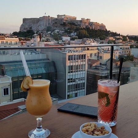 La vue depuis le bar rooftop de l'hôtel