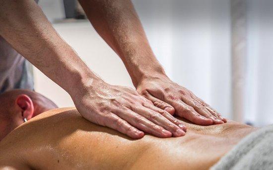 Holis Bodywork: Massage Therapist Barcelona