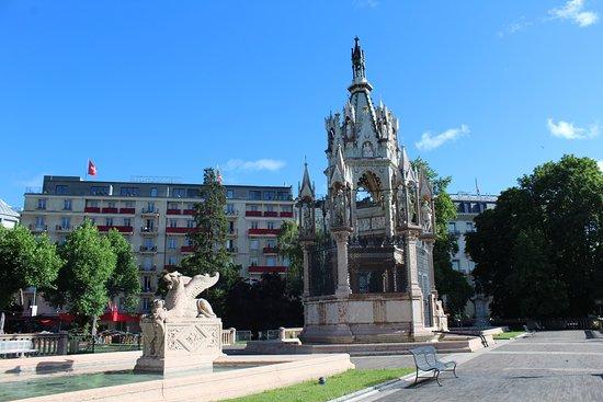 Brunswick Monument