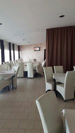 Giurgiu, Rumunia: Restaurant Dovinot