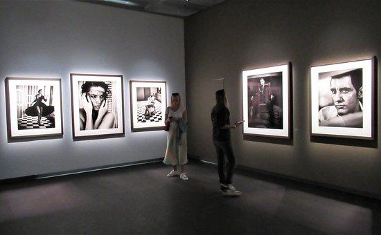 Boleto de entrada a Fotografiska, 90 minutos: More photos on display.