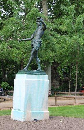 La Statue de l'Acteur Grec: Vue du site et sa statue