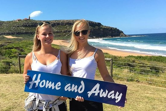 Official 'Home and Away' Tour of Palm...