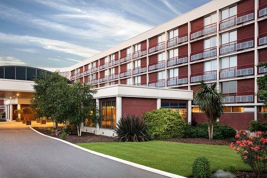 โรงแรมคราวน์พลาซ่า ลอนดอน-ฮีทโธรว์