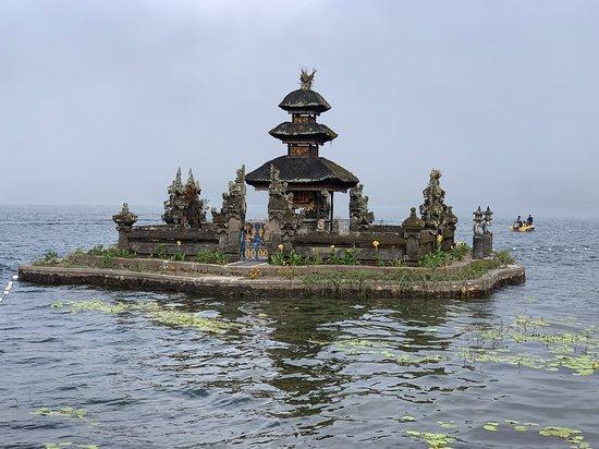Tanah Lot-Jatiluwih-Beratan Temple-Banyumala Waterfalls-Private Tour: Ulun Danu shrine