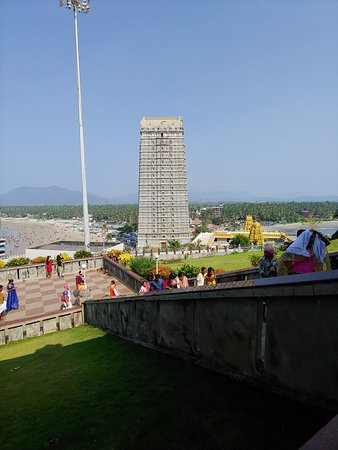 ‪‪Murudeshwar‬: Murudeshwar temple tower.‬